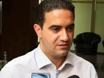 Συνέντευξη «Στο Κόκκινο» με το Δημήτρη Κουκλουμπέρη για τα «φλερτ εκ του πονηρού» από ΣΥΡΙΖΑ – ΝΔ